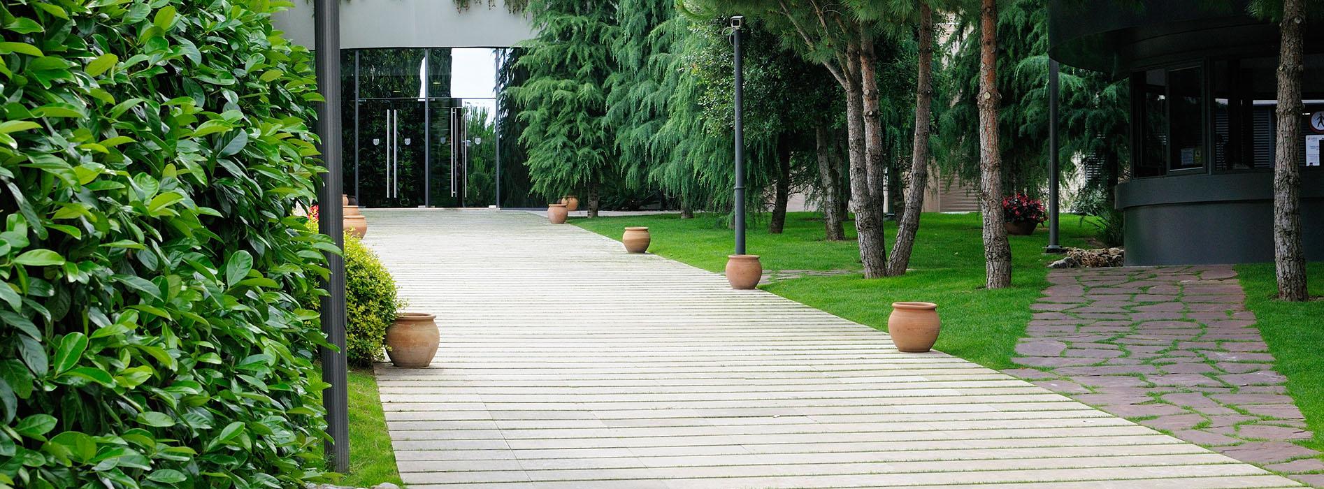 Jiconsa empresa de jardiner a y paisajismo en barcelona for Centros de jardineria barcelona
